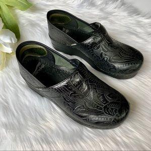Dansko   Professional Black Tooled